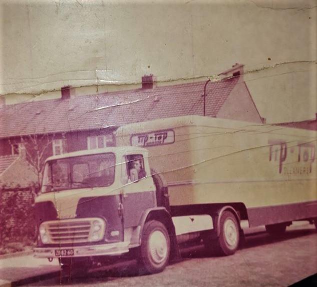 Chauffeur-Moors-met-de-Leyland-1965