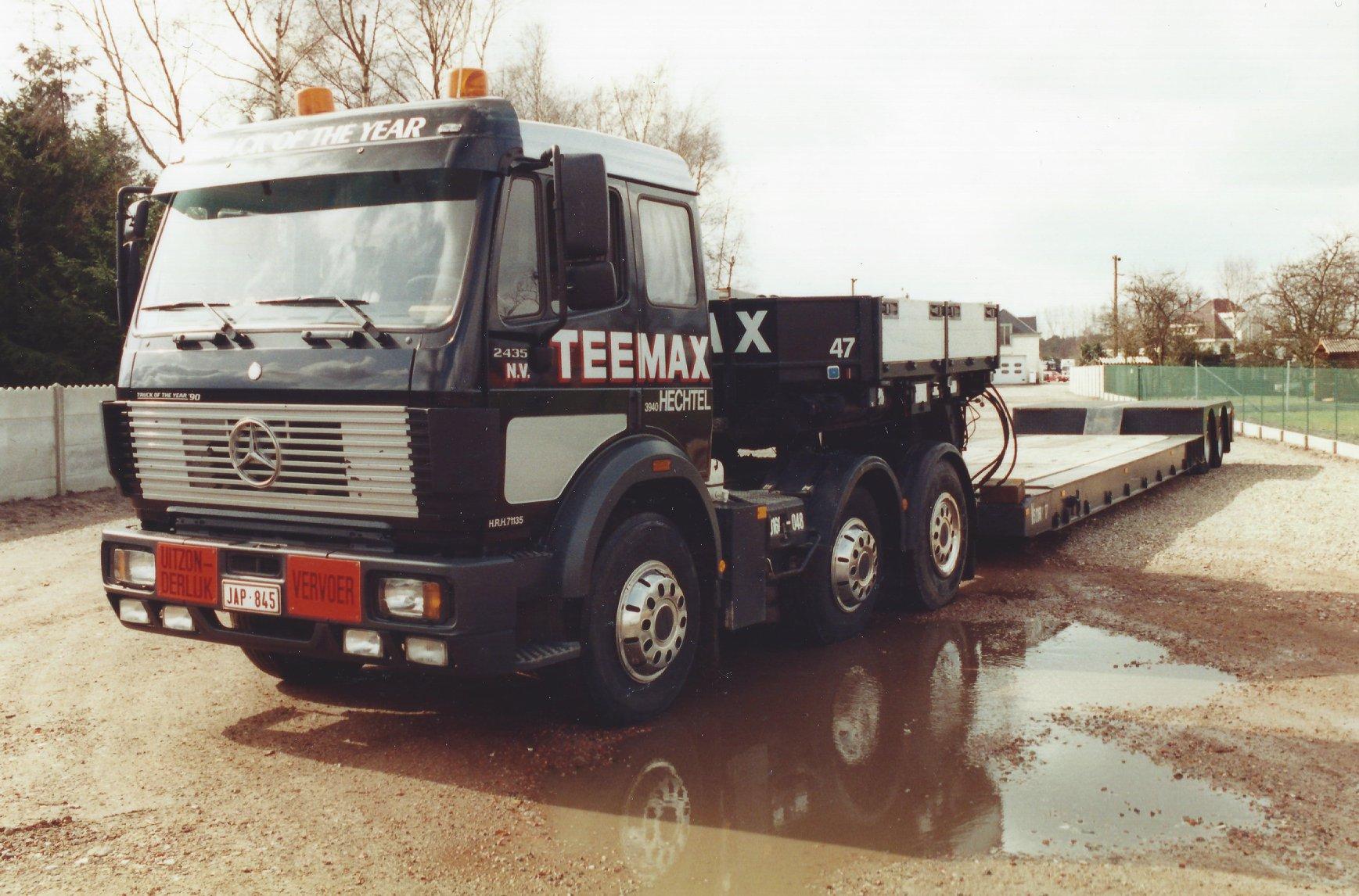 Mercedes-SK-2435