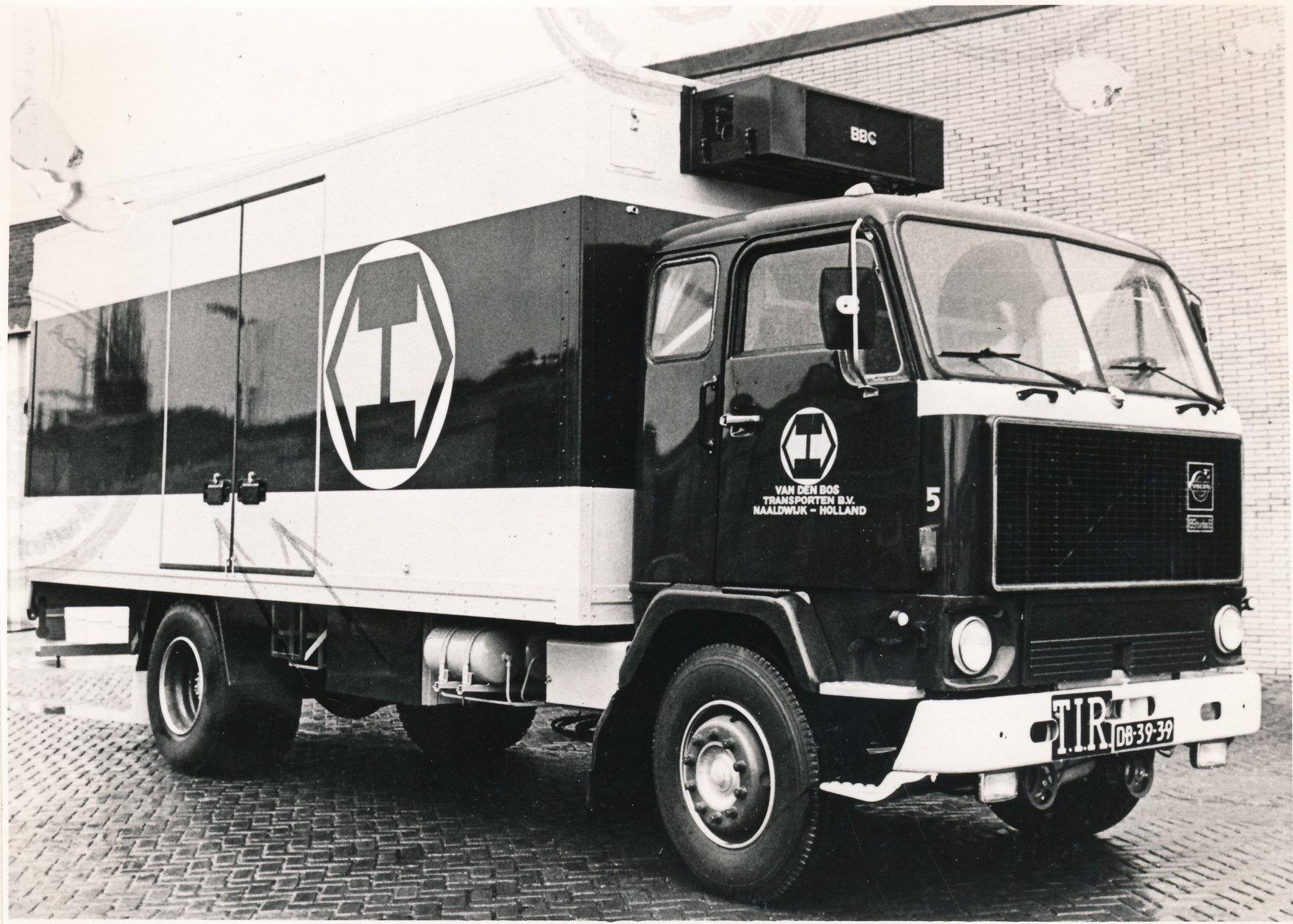 Wil-Goeijenbier-zijn-Volvo-bij-het-bedrijf-5