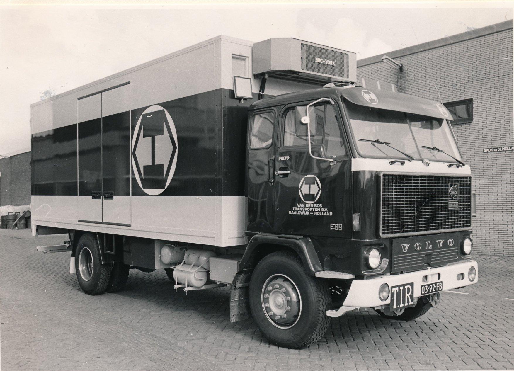 Wil-Goeijenbier-zijn-Volvo-bij-het-bedrijf-6