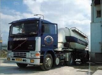 NR-401-Volvo-F10-van-opa-Henk-van-Gemert-later-van-Rene-Wevelkate-5