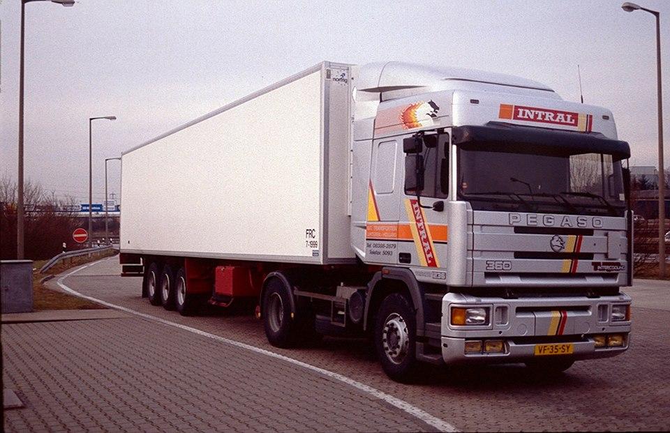 Pegaso-1989-en-heeft-dienst-gedaan-tot-2006-toen-voor-export-naar-Afrika