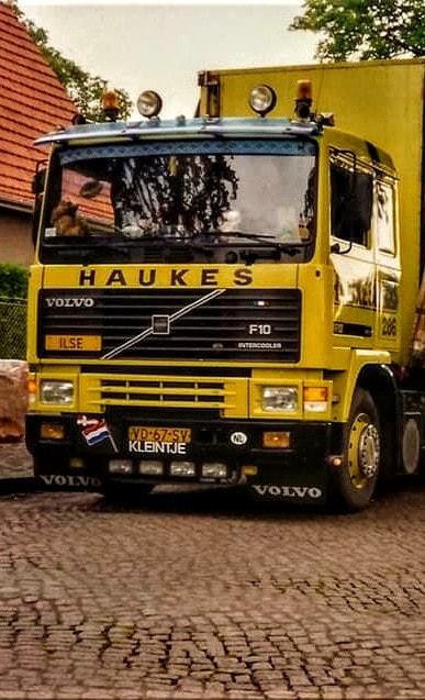 NR-286-Han-Megens--tweede-Volvo-F10--van-0-tot-een-miljoen-kilometer--3