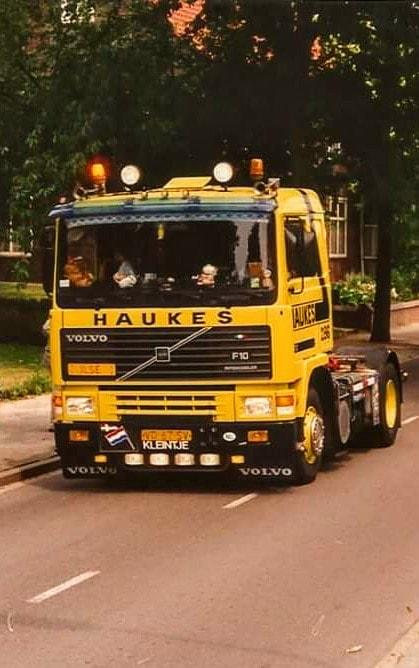 NR-286-Han-Megens--tweede-Volvo-F10--van-0-tot-een-miljoen-kilometer--4