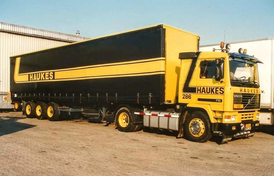 NR-286-Han-Megens--tweede-Volvo-F10--van-0-tot-een-miljoen-kilometer--8