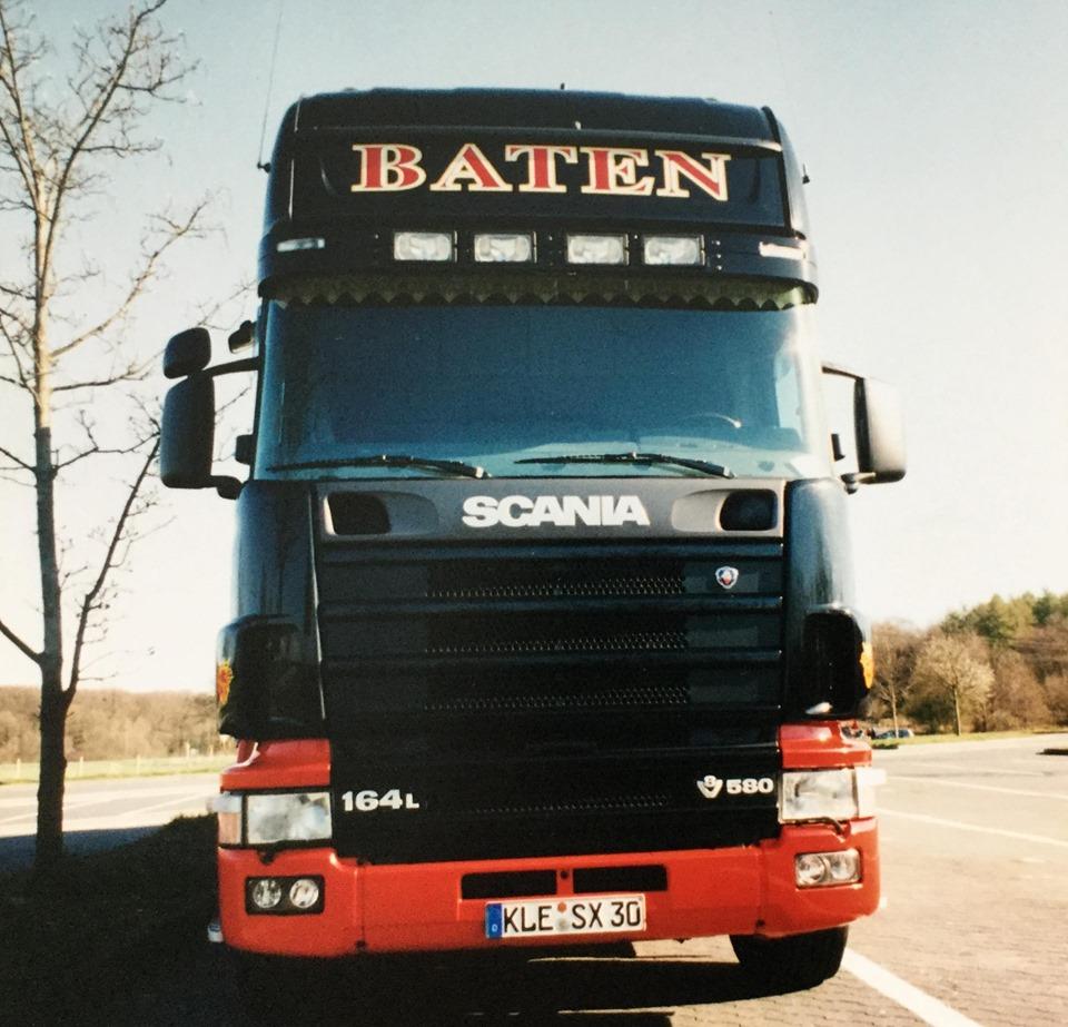 Scania-V8-12