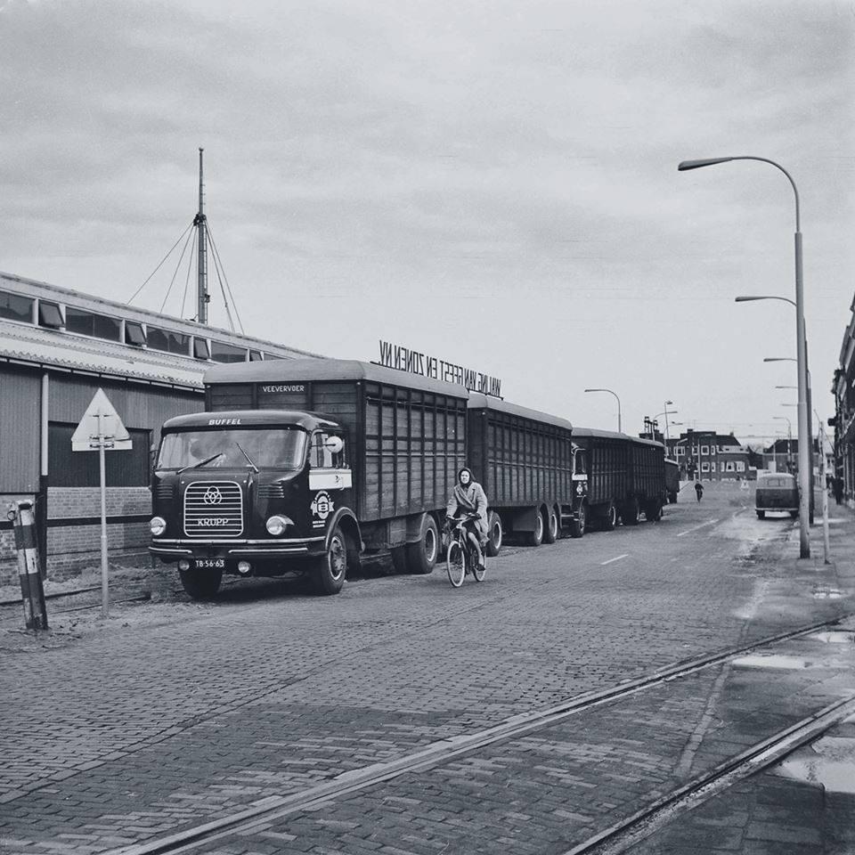 Krupp-Buffel1966-bij-de-veehal--Jan-Klapwijk-archief-