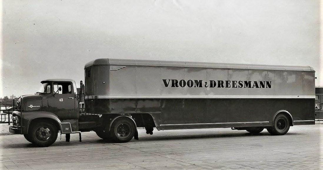 Ford-Pacton-met-Heiwo-kasten-opbouw-1956