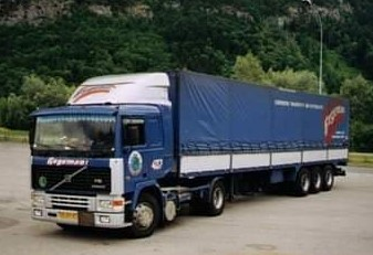 NR-407-Volvo-F10-van-Wilfried-Dieker-R-I-P--later-van-Gertie-Campschroer-en-Rob-van-Barneveld-4