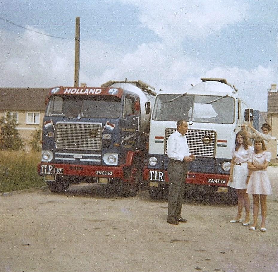 Volvo-F88-Jan-van-Appldoorn-en-rechts-Els-een-dochter-en-echtgenote-van-Jan-V-Gent-1969-woudenberg--