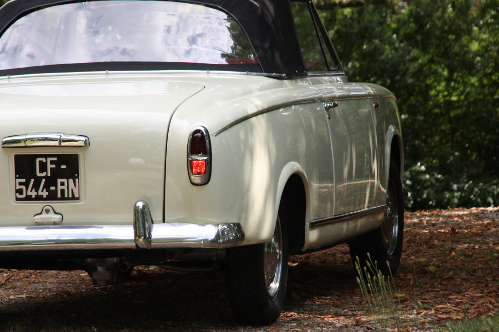 Peugeot-403-cabrio-3