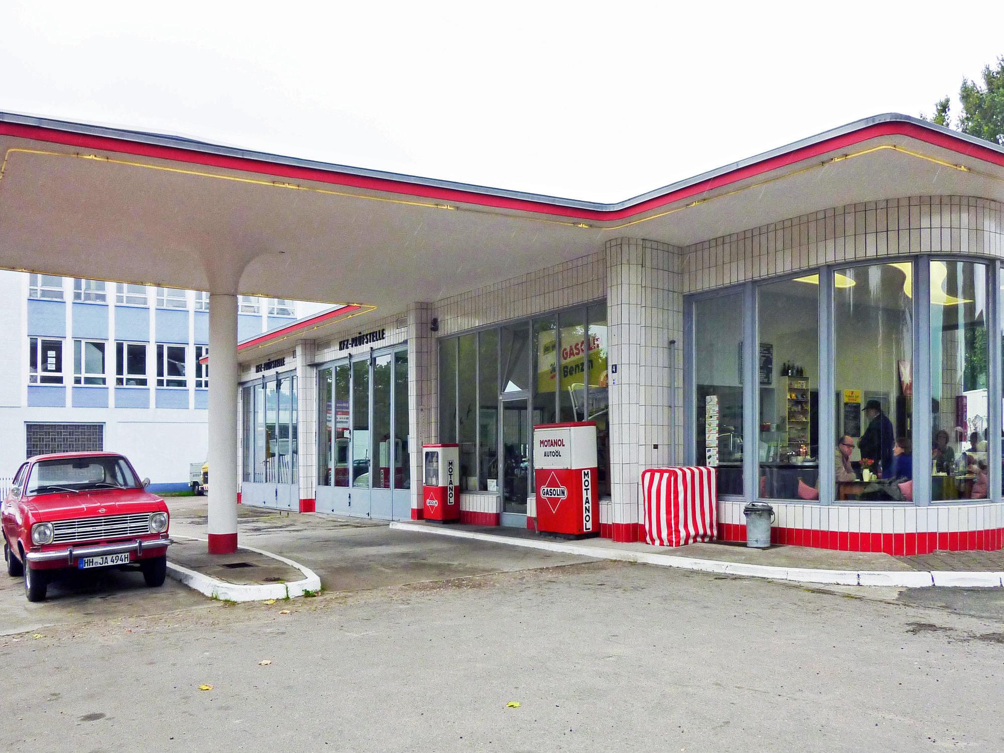 Tankstelle-Hamburg-Jan-Van-Pelt-archief-1