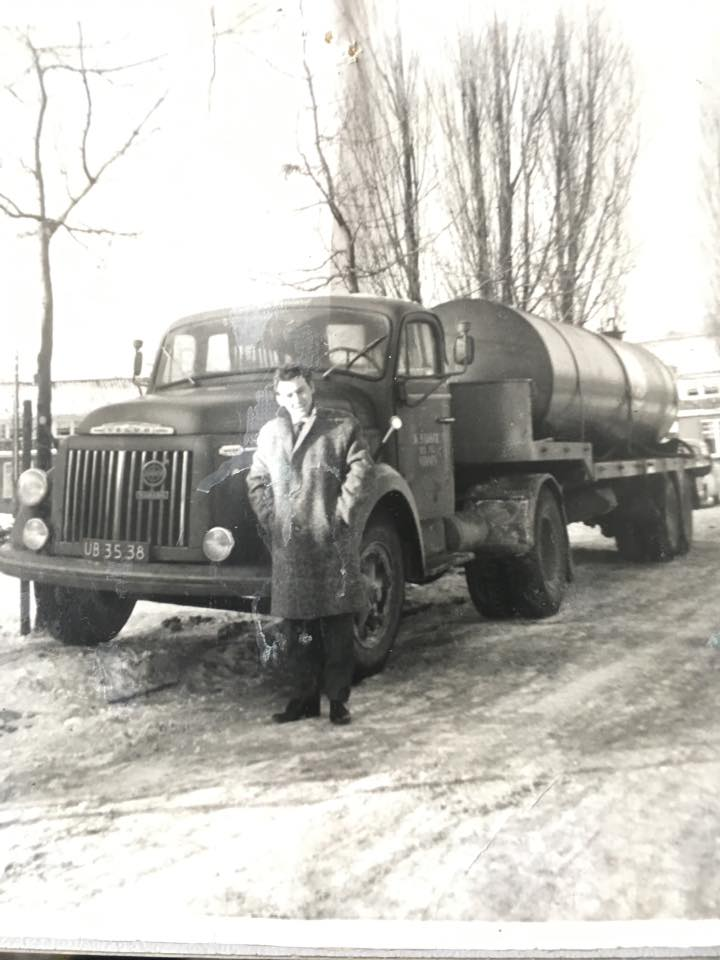 0-Winter-1963-Bob-met-zelf-gebouwde-tankoplegger