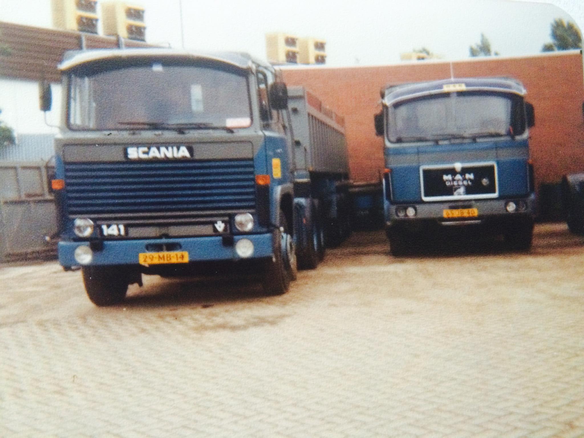Scania--MAN-29-MB-14-tandemasser-van-Dolf-en-65-JB-40-van-Jan