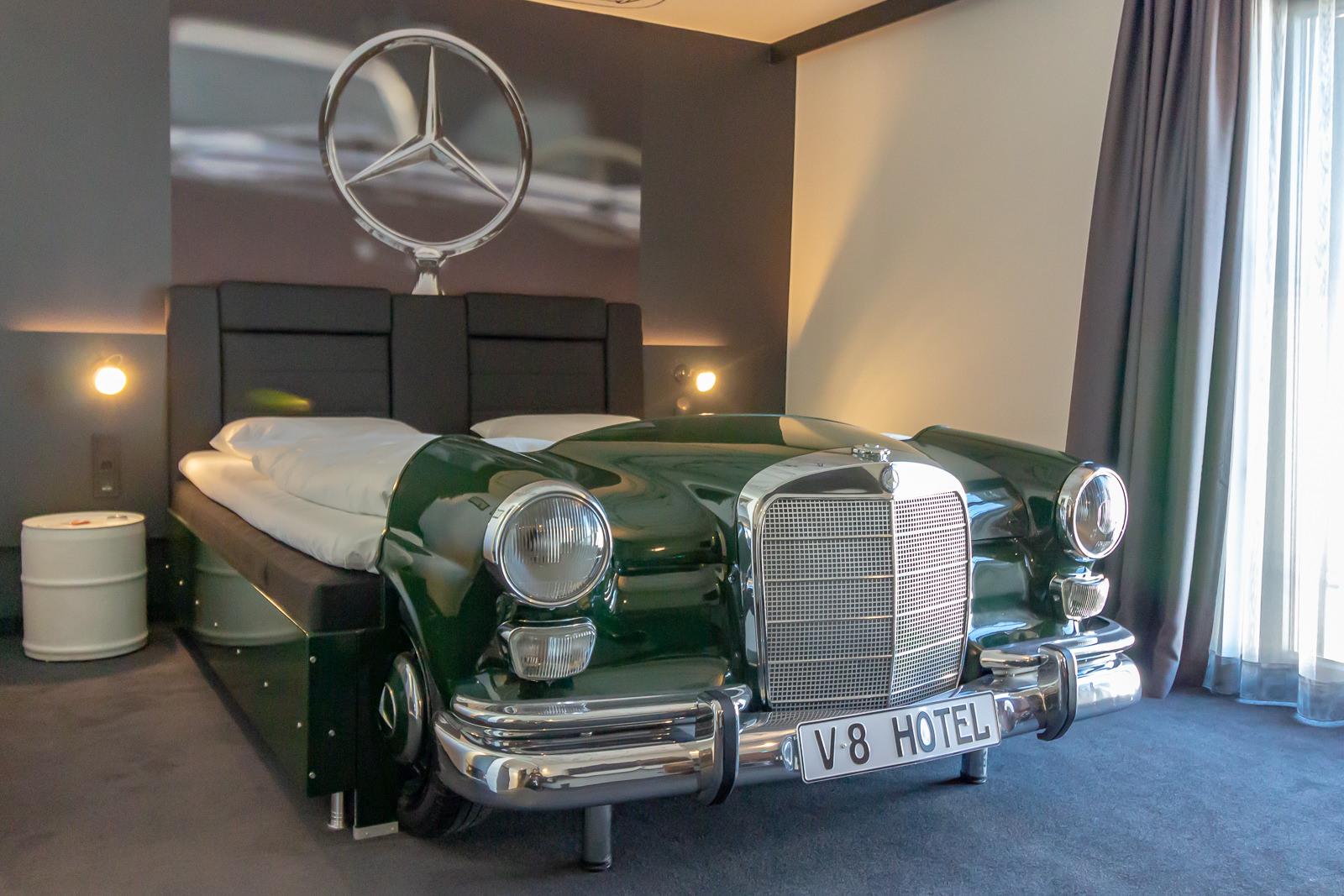 Auto-hotel-2