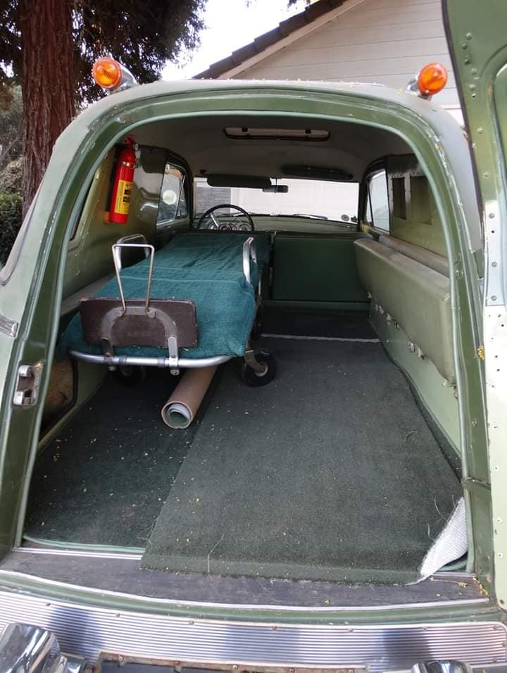 Packard-1954-ambulance-door-henney-3