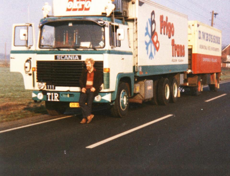 chauffeur-Willy-Freriks-De-motorwagen-van-Frigo-Trans-is-overgenomen-door-de-firma-Bussink-Dinxperlo