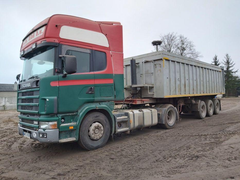 Blok-Scania-in-Polen