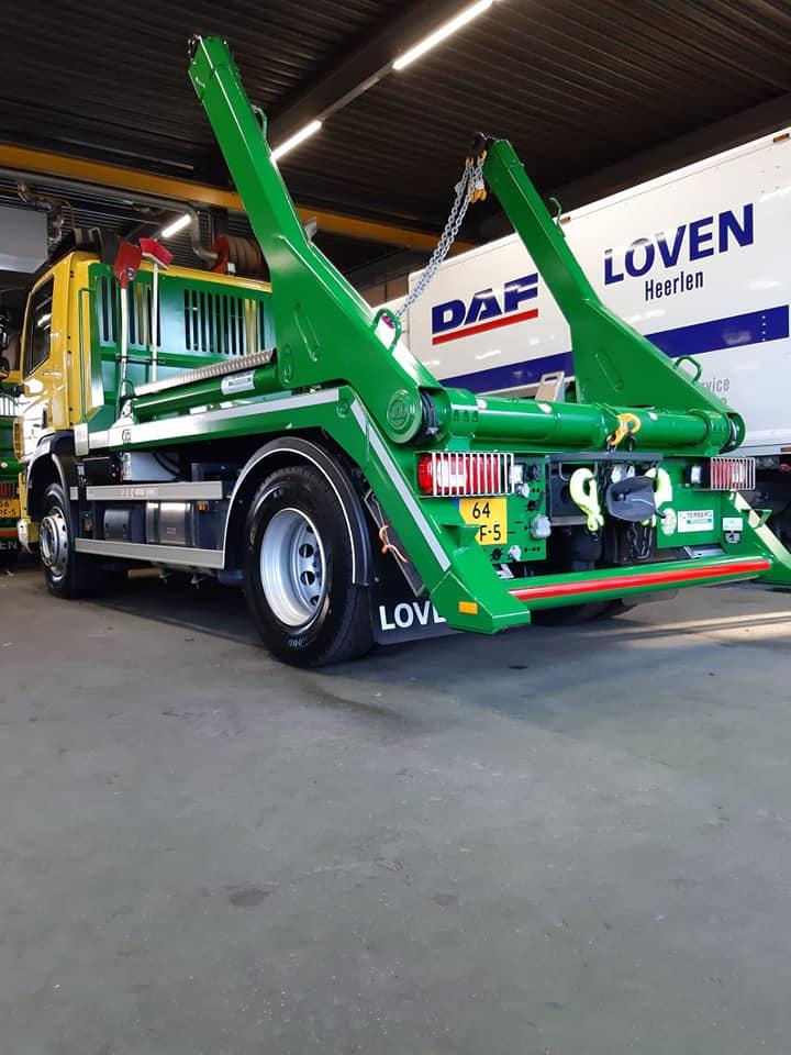 DAF-CF300-FA-wagens-met-een-14-tons-portaal-afzetsysteem-24-1-2020--2