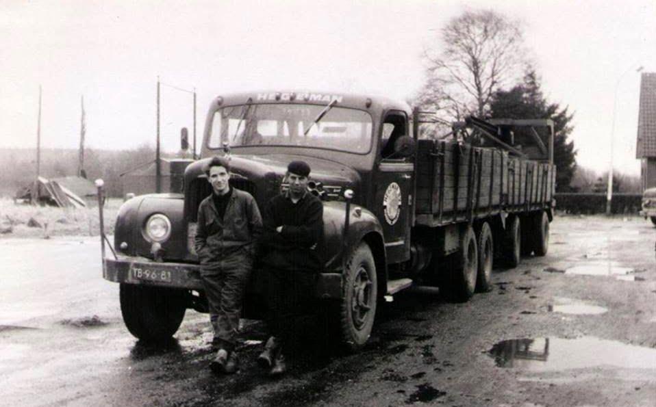 NR-14-Mack-stenenwagen
