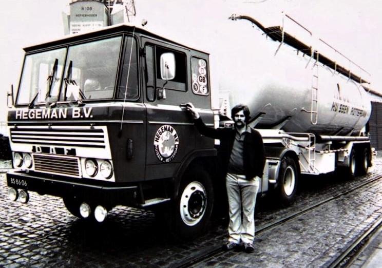 NR-104--1972-DAF-2600--een-tankwagen-specialist-Aris-Goudriaan-bij-Hegeman-in-Rotterdam-