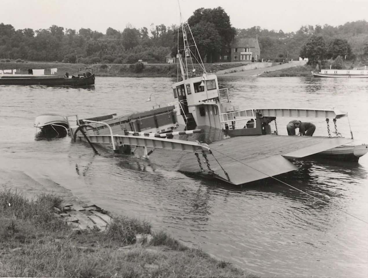 Schade--1957-foto--gemaakt-door-Jac--Rauws-ingezonden-door-Willem-Ruisch-Veerpont-Lexkesveer-Eageningen-Randwijk-1hade-