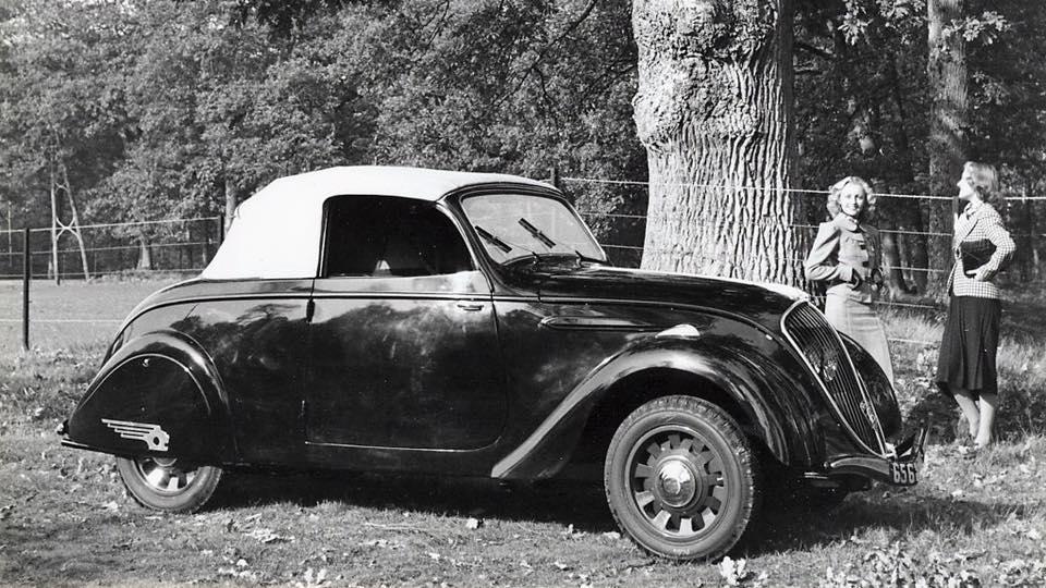 Peugeot-202-cabrio