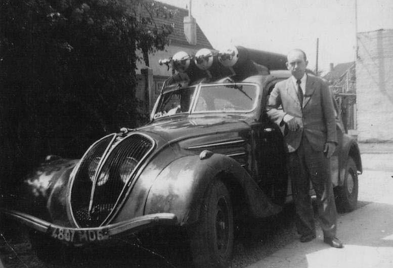 Peugeot-402-B-op-gas