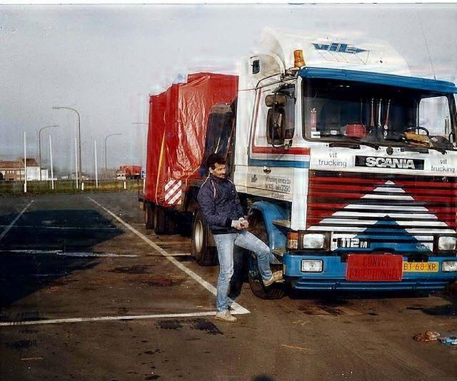 Jan-van-Rij--zwaar-transport-naar-spanje-alles-binnendoor-in-frankrijk-kan-niet-door-de-betaalhokjes-ca-1990-