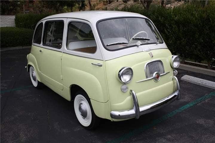 fiat-multipla-600--1959-Deze-auto-is-de-zeldzame-kikker-eye-koplamp-versie-een-vereiste-om-legaal-te-zijn-voor-de-Amerikaanse-import-in-factory-kleuren-en-zeer-gewenste-front-zelfmoord-deuren-1
