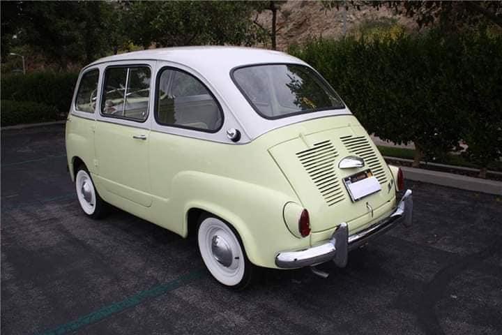 fiat-multipla-600--1959-Deze-auto-is-de-zeldzame-kikker-eye-koplamp-versie-een-vereiste-om-legaal-te-zijn-voor-de-Amerikaanse-import-in-factory-kleuren-en-zeer-gewenste-front-zelfmoord-deuren-2