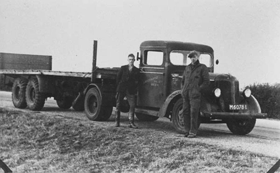 Dit-is-zijn-de-oudste-fotos-van-de-firma-die-ik-heb--Theo-Groothuijse-archief.-2