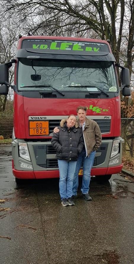 Vandaag-25-jaar-onderweg-als-chauffeur-EN-25-jaar-samen-met-de-vrouw-die-het-al-die-jaren-met-mij-volhoud-Ray-Bies-2-2-2020-