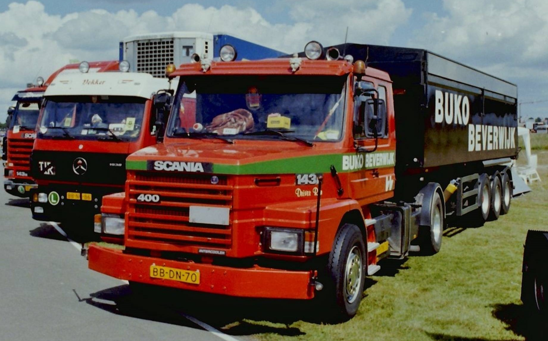 Scania-T143--2