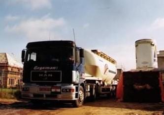 NR-438-MAN-19-343--van-Gepko-Jonker------5-cilinder-motor-chauffeurs-verdriet-4