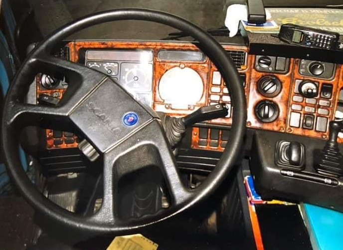 Albert-de-Vries-Scania-113M-380-en-interieur--2