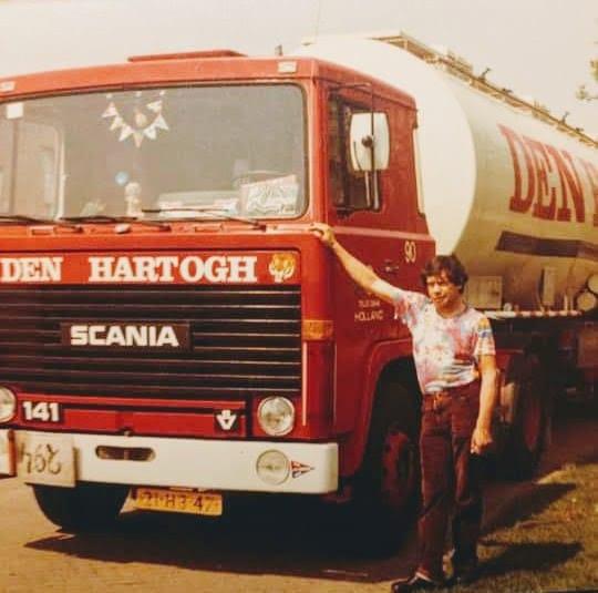 Scania-V8-Chauffeur-van-deze-combinatie-was-Tinus-Timmermans-RIP--