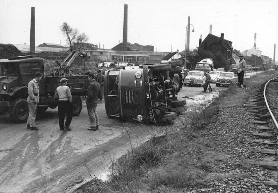 borgharenweg-1960-op-de-achtergrond-austin-van-befama--