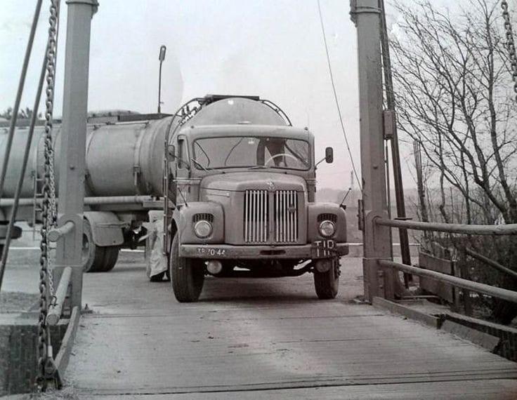 JAWICO-met-een-Scania-Vabis-75-Chauffeur-Aby-de-Melker