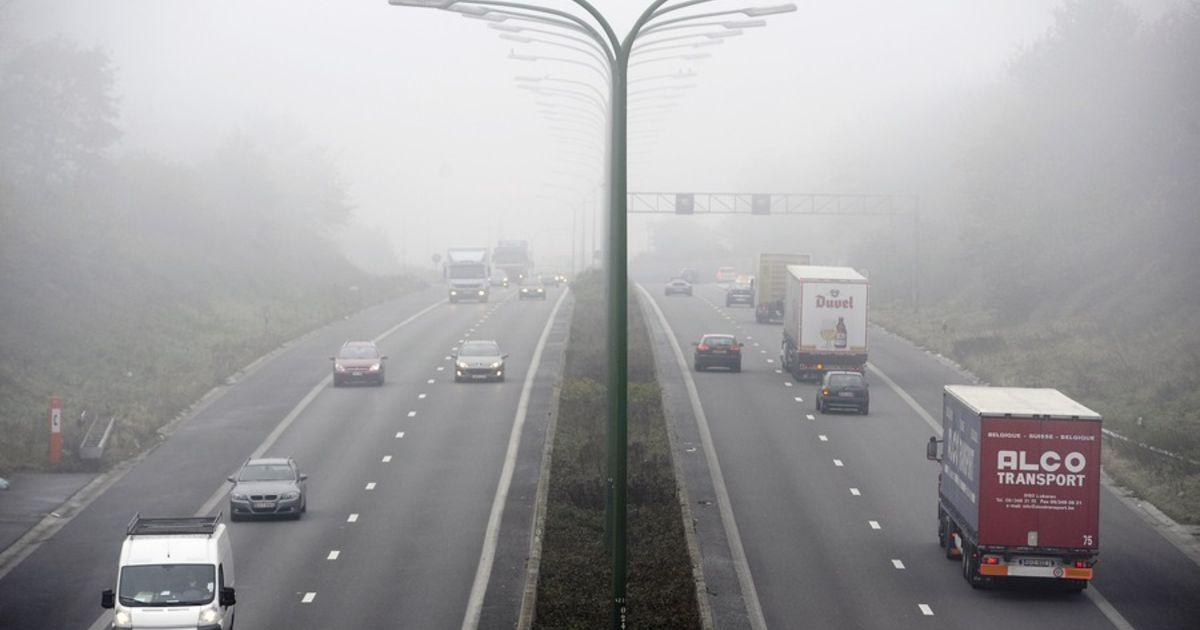 mist-rijden-met-achterlicht