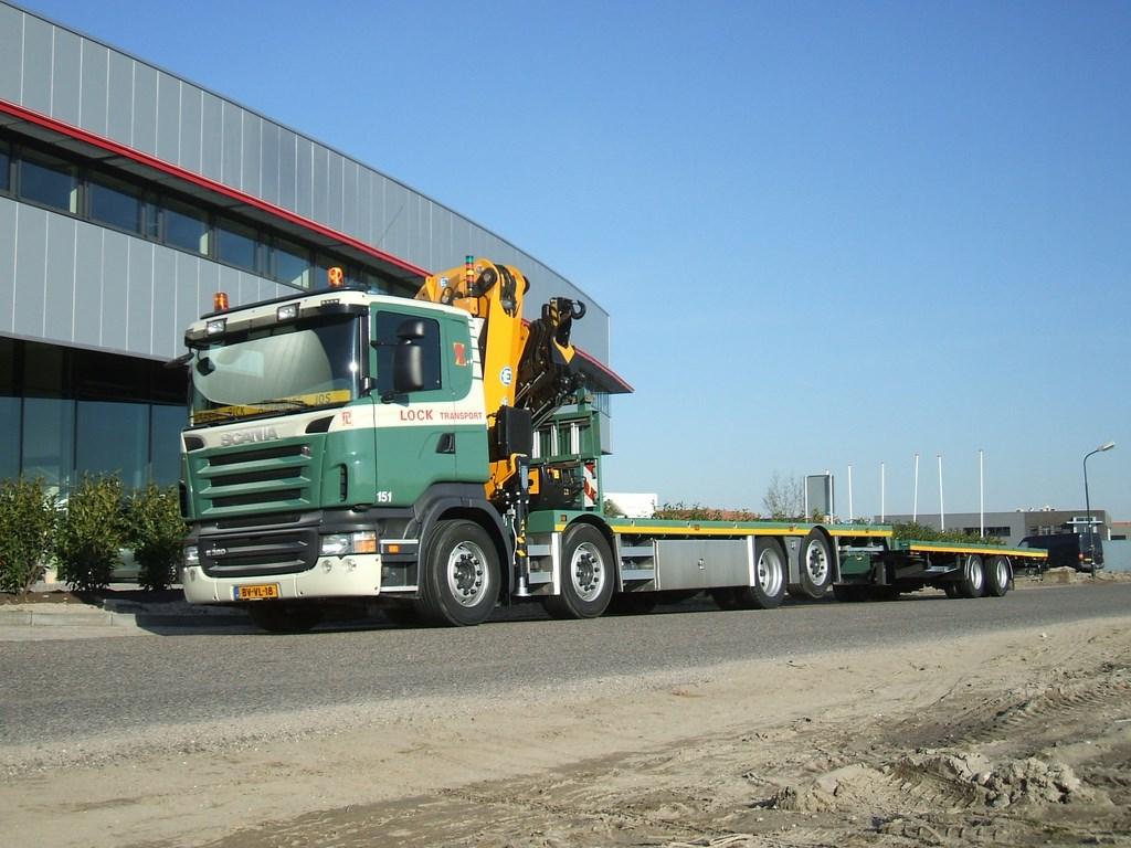 Scania-151-bakwagen-met-kraan-