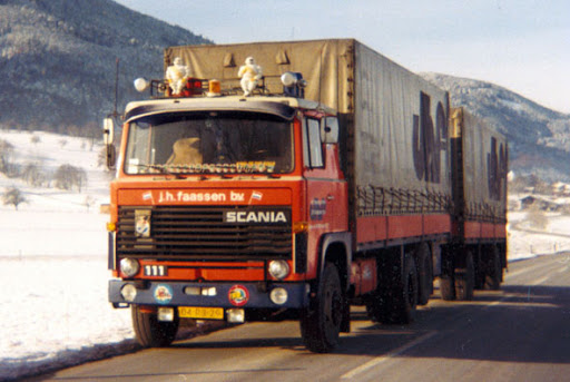 Scania-111-6X2--Chauffeur-Ton-Dorssers-