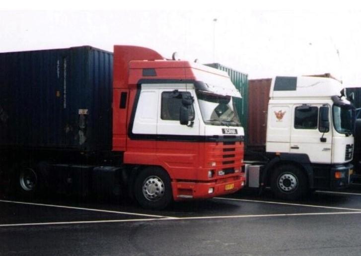 NR-451-Scania113-400-overgenomen-van-Harrie-Snoek-driver-Theetje-Hagen-Columbo-4