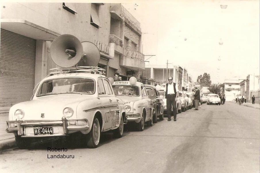 Renault--Dauphine-en-Argentine