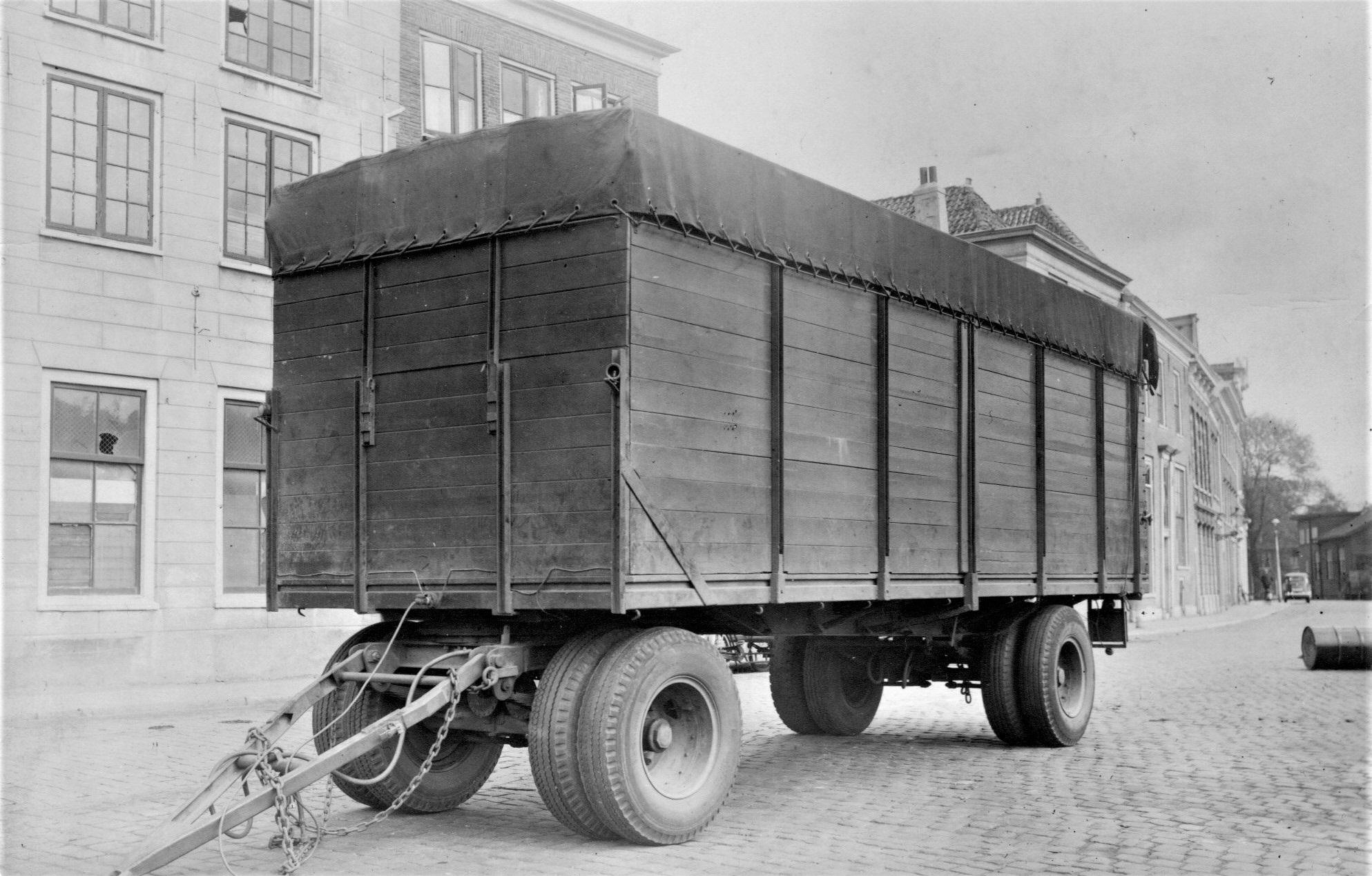 De-Aanhanger-van-de-White.-Een-Ten-Cate--chassisnr-1010--bouwjaar-1938