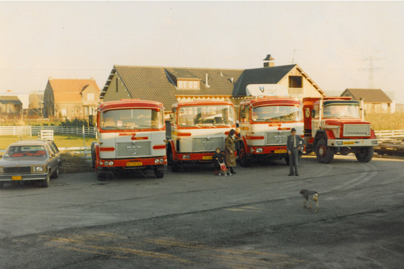 wagenpark-in-1979-van-Post-Kogeko-in-Den-Hoorn--Dirk-Klapwijk-archief