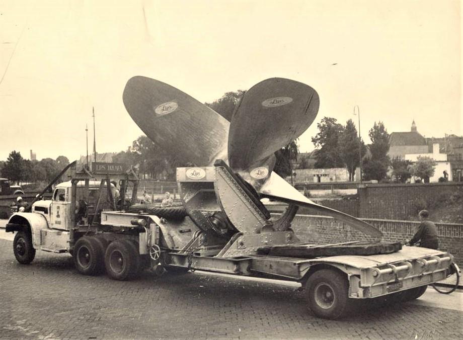 Diamond-en-andere-trucks-met-de-schroeven--8