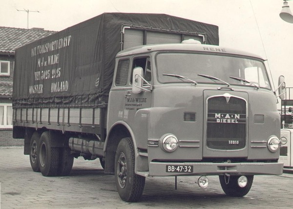 MAN-225-PK--Chauffeur-Rene