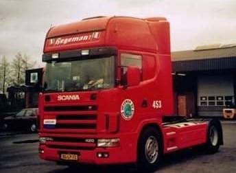 NR-453-Scania-124-420-van-Marcel-Scholten--Later-Jos-Wouters-en-Rob-van-Barneveld-kittekat--2