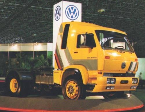 VW-35-300-1991--met-slaapcabine-in-Argentina